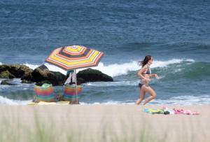 BEACH-umbrella-jogger-IMG_4667